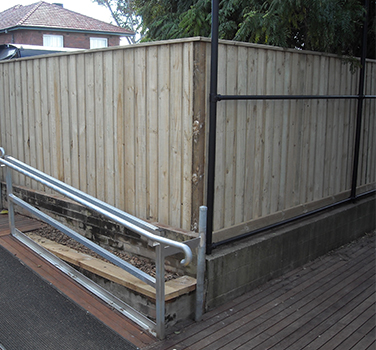 Queenwood - boundary fence - 376 x 350